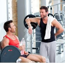 Guys_at_gym