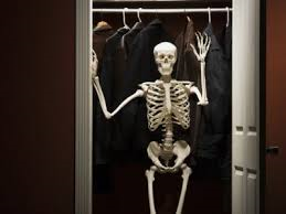Skeleton.in.closet