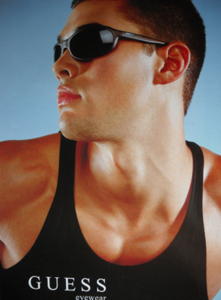 Guess_sunglasses_blacktank