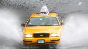 Taxi_floodedstreet