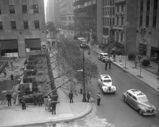Great-atlantic-hurricane-1944-trees-blown-sideways-at-rockefeller-center-620x494