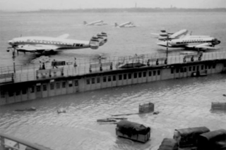 Nov 25, 1950 LaGuardia Airport