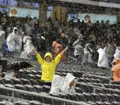 Rain_delay_yankee_stadium