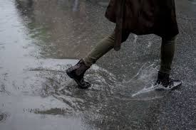 Boots_puddle