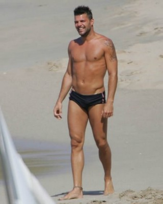 Ricky-martin-gay-speedo2-e1269900029696