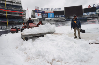 Snow on yankees home opener